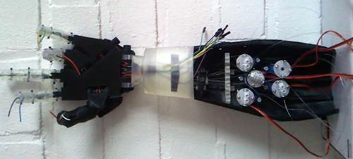 Hpro+  HANDPROTHESE AUS DEM 3D-DRUCKER